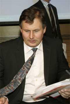 Det har vært en travel dag for landsbruksminister Terje Riis-Johansen (Sp)