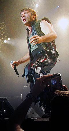 Sist Bruce Dickinson og Iron Maiden var i Norge var 28. juni i 2005, i Oslo Spektrum. Foto: Heiko Junge, Scanpix.