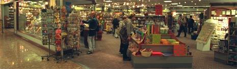 Små bokhandeler kan måtte gi tapt mot de store kjedene. (Foto: Knut M. Rekve/Scanpix)