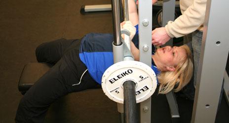 Jeanette Bach Mikkelsen er i full gang med treningen. Mandag kan TV-seerne følge resultatet.