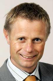 Stortingsrepresentant Bent Høie (H) går hardt ut mot snuoperasjonen til Avinor. (Foto: Knut Falch/Scanpix)