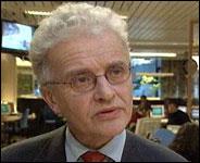 Kulturdepartementet er for lite og for fattig til å ha ansvaret for NRK, mener NRK-sjef Einar Førde.