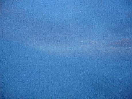 Så forsvinner landskapet enda mer, når vinden øker. Foto Andreas Toft.