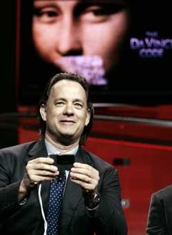 Tom Hanks spiller professor Robert Langdon i filmatiseringen av Da Vinci-koden. (Foto: Scanpix)
