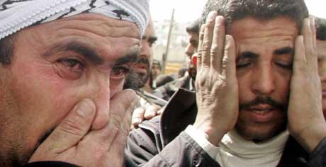 Slektninger av Jihad-lederen Abu al-Waleed al-Dahdouh. (Scanpix/Reuters)