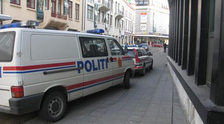 Politiet jakter på en raner i Ålesund. Foto: Pål Bakke, NRK