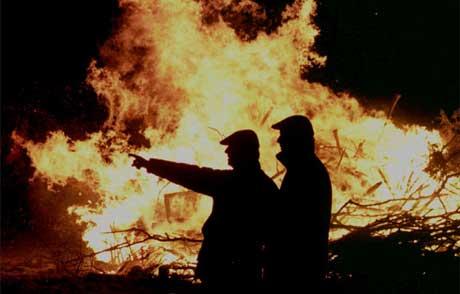 Mange vil ennå huske brenningen av slaktede dyr i Storbritannia etter at kugalskap var påvist i landet (Scanpix/AP)