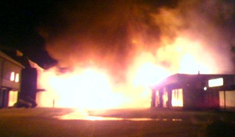 Brannen i Mosjøen gjorde 6 personer husløse.