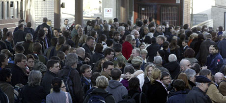 Det blir fort kaos når togene innstilles. Arkivfoto: Morten Holm, Scanpix
