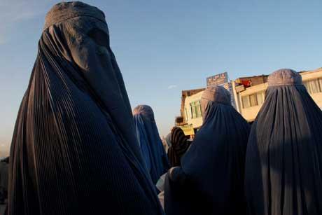 Afghanske kvinner er blitt aktive i samfunnslivet. Foto: Scanpix/AP.