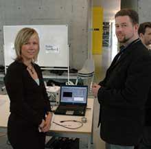 Anita Listou og Jan Erik Farbrot representerte det ypperste av moderne teknikk på gründerdagen. Foto: Halden Dagblad