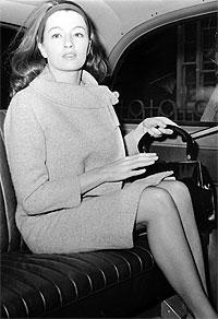 Christine Keeler på vei til Old Baily , 5. desember 1963 (arkivfoto: AP/Scanpix).