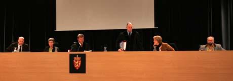 Seks dommere har brukt fem uker på en dom på nesten 400 sider. (Foto: Alf Ove Hansen, Scanpix)