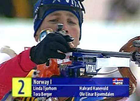 Linda Tjørhom, Halvard Hanevold, Tora Berger og Ole Einar Bjørndalen gikk for Norge. (Foto: NRK)