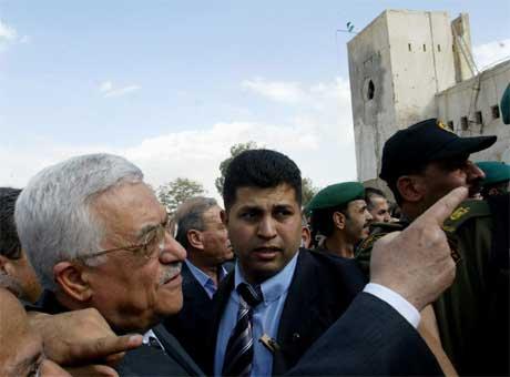 Palestinernes president Mahmoud Abbas besøkte fengselet i dag. (Foto: Jamal Aruri/AFP/Scanpix)