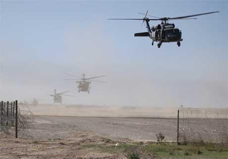 Amerikanske kampfly er satt inn i militæraksjonen nord i Irak i dag. (Foto: Den amerikanske hæren/Reuters/Scanpix)