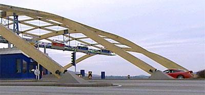 Bilistane kunne passera bomstasjonen på Sokn gratis i to timar i går. (Arkivfoto NRK)
