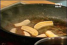 Karamelliserte bananer kan du også bruke dersom du skal lage en banansplitt! (Foto: Nrk)
