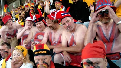 Det kan bli dyrt for norske supportere å se årets fotball-VM fra tribuneplass. (Foto: Scanpix)