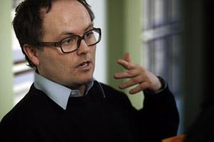 IBSENPRISVINNER: Finn Iunker (Foto hentet fra pressetjenesten til Ibsenprisen i Skien. Fotograf ikke tilkjennegitt).