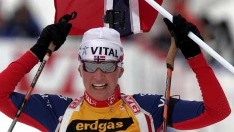 Linda Tjørom inn til seier i Holmenkollen søndag. (Foto: Jarl Fr. Erichsen / SCANPIX)