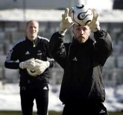 Lars Hirschfeld (foran) har overtatt som førstekeeper i Rosenborg etter Espen Johnsen. (Foto: Gorm Kallestad / SCANPIX)