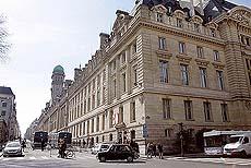 Gatebildet i Paris ville sett annerledes ut uten ryddegjengene. Foto Scanpix.