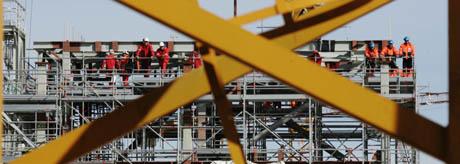 Bygningsarbeidere på Ormen Lange på Aukra er blant dem som er i streik. (Foto: Cornelius Poppe/Scanpix)