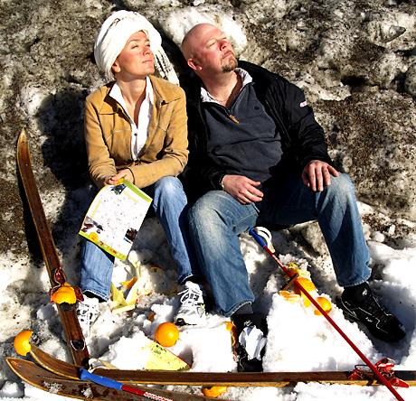 Kari Slaatsveen og Geir Schau vil tre påsken så godt det lar seg gjøre ned over hodene på folk i