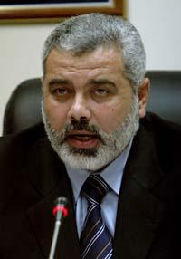 Ismail Haniyeh ledet sitt første regjeringsmøte i dag. (Foto: K.Hamra, AP)