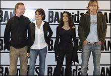 """Joachim Rønning og Espen Sandberg har fått meg seg Penelope Cruz og Salma Hayek i sin film """"Bandidas"""" (Foto: Nordisk Film)"""