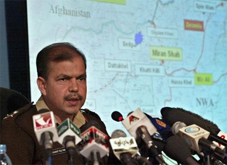 Generalmajor Shaukat Sultan er talsmann for den pakistanske hæren. (Foto: AP/Scanpix)
