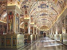 Fra Vatikanets vakre bibliotek. Foto Nina Skurtveit/NRK.