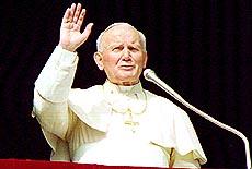 Da pave Johannes Paul II døde, utløste det en stor folkevandring. Foto Scanpix.
