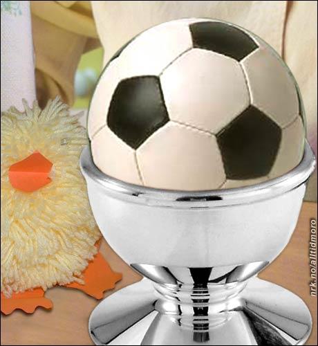For enkelte er påsken bare et tegn på at fotballsesongen er på gang. (Alltid Moro)