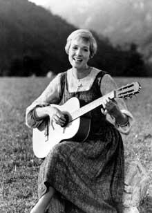 Julie Andrews gjorde braksuksess med filmen «The Sound of Music». (Foto: AP)