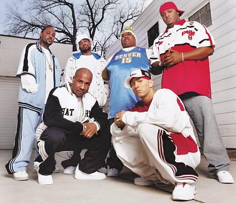 Deshaun Holton var en del av rappgruppa D12, her sammen med Eminem foran til høyre. Foto: AP Photo / Interscope Records / Scanpix.