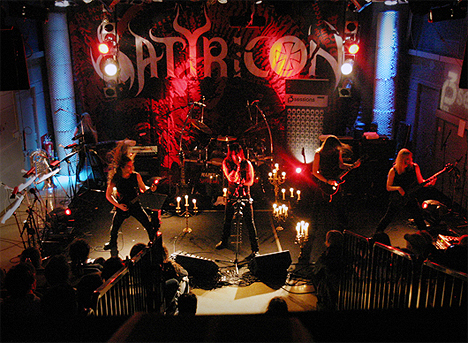 Satyricon, her under P3Sessions, varmer opp for Dio. Foto: NRK.