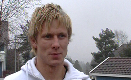- Nå kan jeg tenke på fotball igjen, sier en fornøyd FFK-spiller Trond Erik Bertelsen. (Foto: Rune Fredriksen/NRK)