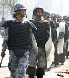 Nepalsk politi arresterte 20 mennesker under demonstrasjonene. (Foto: Scanpix/Reuters)
