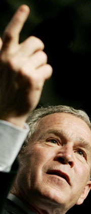 President Bush skal allerede i januar 2003 ha sagt til Storbritannias statsminister Tony Blair at han ville angripe Irak uansett. (Foto: Scanpix/Reuters)