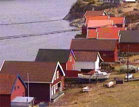 Sjøbuene er innredet og eierne ønsker omdisponering til hytter. Grunneierne føler seg dolket i ryggen av politikerne. Foto: Zbigniew Czaplicki, NRK
