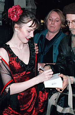 Norske Lisa Stokke hadde hovedrollen i «Mamma Mia!» da forestillingen hadde premiere på Londons West End i 1999. Foto: Scanpix.