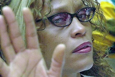 Whitney Houston nekter å gi slipp på dopet. Foto: AFP Photo / Scanpix.
