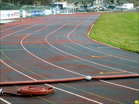 Meir berg og dalbane enn løpebane på Atlanten stadion. Foto: Anne-Mari Flatset