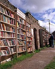 I Hay-on-Wye er det brukte bøker over alt. Foto Scanpix.