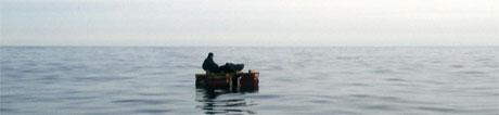 Ble funnet drivende på en flåte 21. april (foto: Scanpix)