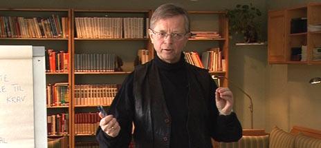 Arne Tord Sveinall er mye brukt som foredragsholder.