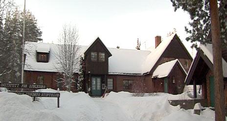 Institutt for Sjelesorg ligger idyllisk til på Modum i Buskerud. Foto: NRK Brennpunkt