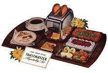 Her er Toastmaster Model 1B9 fra 1940 med tilbehørende serveringssett.